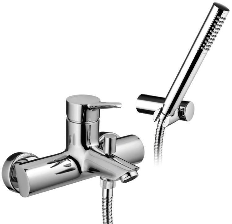 ragazze che amano grossi rubinetti