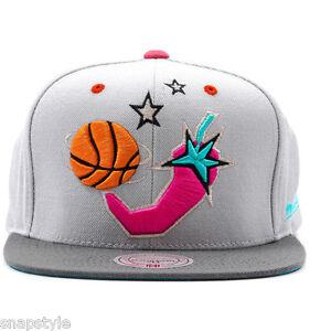 Mitchell   Ness NBA Snapback Hat - 1996 Allstar Grey Packer Shawn ... b801e2880