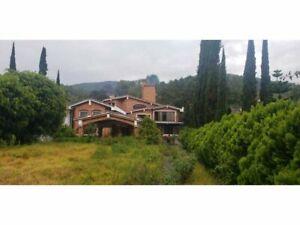 Residencia en remate Valle de Bravo