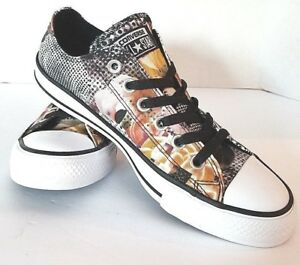 4a0f1605dfe1 Converse Chuck Taylor All Star Digital Floral Ox 553299F Sneakers ...
