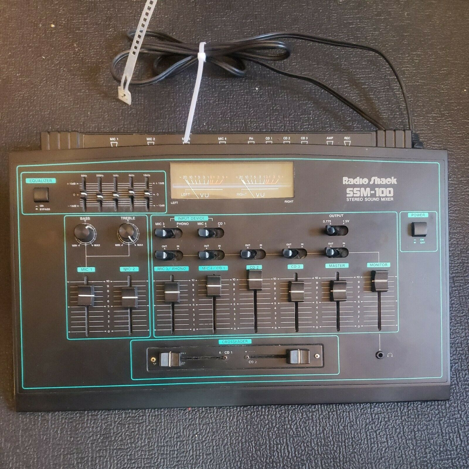 Radio Shack Stereo Audio Sound Mixer w/ Equalizer SSM-100  (Powers On/ Sold.... Buy it now for 69.95