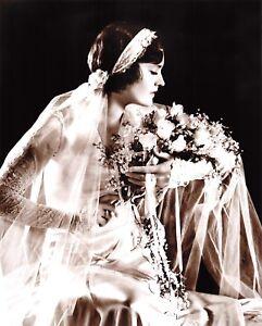 10x8-034-Photographic-Print-Vintage-c1920-30s-Bride-Wedding-Dress-Bouquet-Fashion