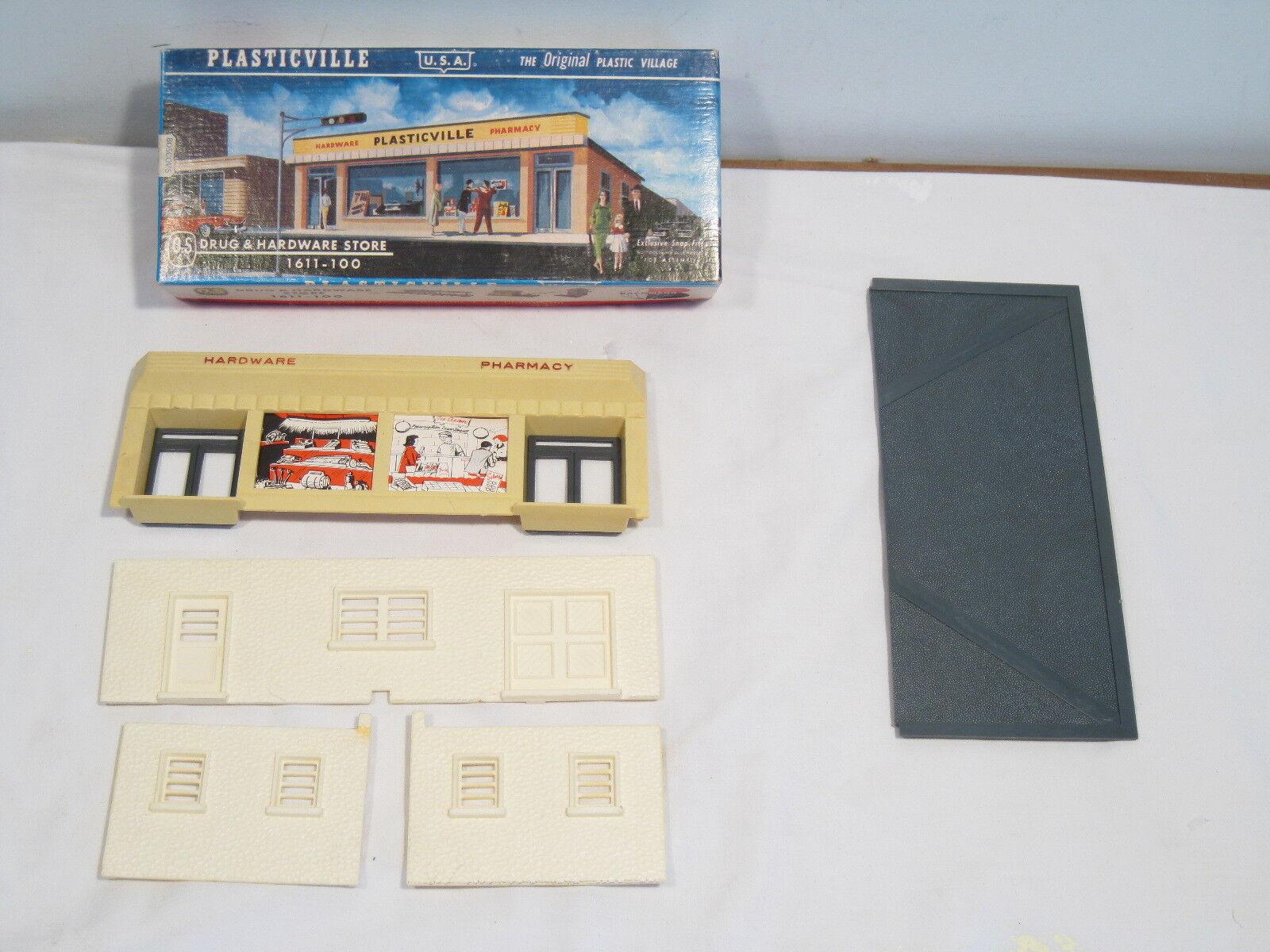 PLASTICVILLE O & S GAUGE DRUG & HARDWARE STORE 1611-100, COMPLETE, RARE BOX