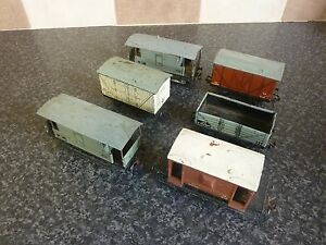6x-VINTAGE-HORNBY-DUBLO-OO-GUAGE-TINPLATE-PLASTIC-WAGONS-GOOD-CONDITION-FOR-AGE