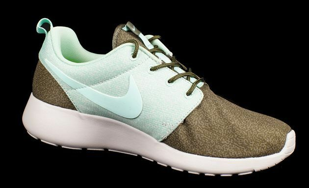NIKE ROSHERUN PRINT WOMAN IRON GREEN SIZE 11.0 NEW AUTHENTIC RARE ONLY 1 @ EBAY