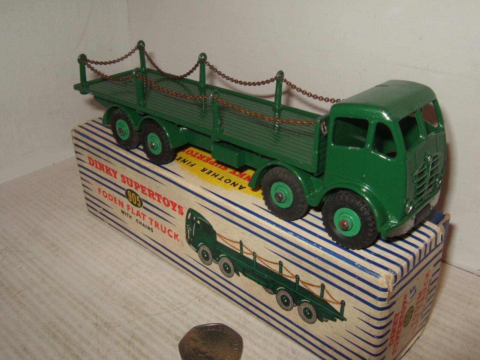 Vintage Dinky Toys 905 camión Foden de superficie plana con cadenas & Dinky Caja Original.