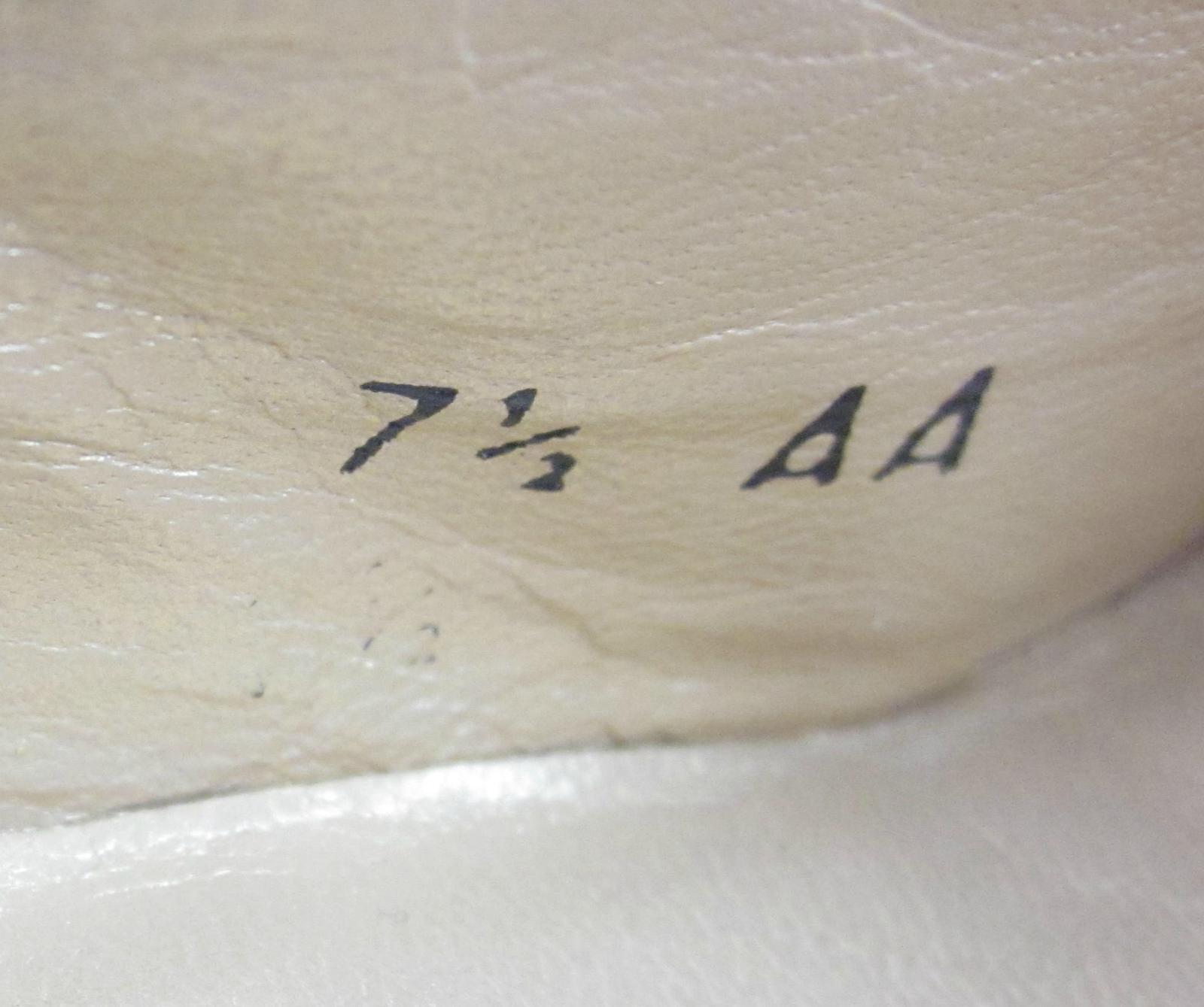 Stuart Weitzman Dress Pumps Oatmeal Shimmer Sz Sz Sz 7.5AA Narrow 6cc443