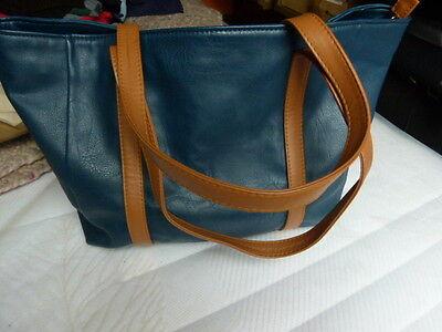 Damentasche, blau mit Riemen und Reißverschluß