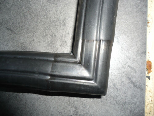 Ford Escort Mk2 RS Type Front Windscreen Rubber Surround Window Seal