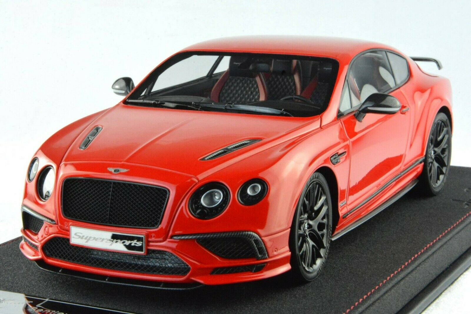 Frontiart AvanStyle 1 18 Bentley Continental Super Sports rouge AS019-06