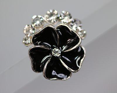 / Wunderschöner kleinerer Strassknopf - schwarze Blüte - wohl ab 2010