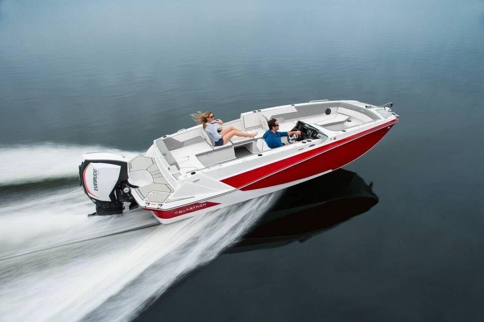 Glastron GTD 220, Motorbåd, årg. 2022