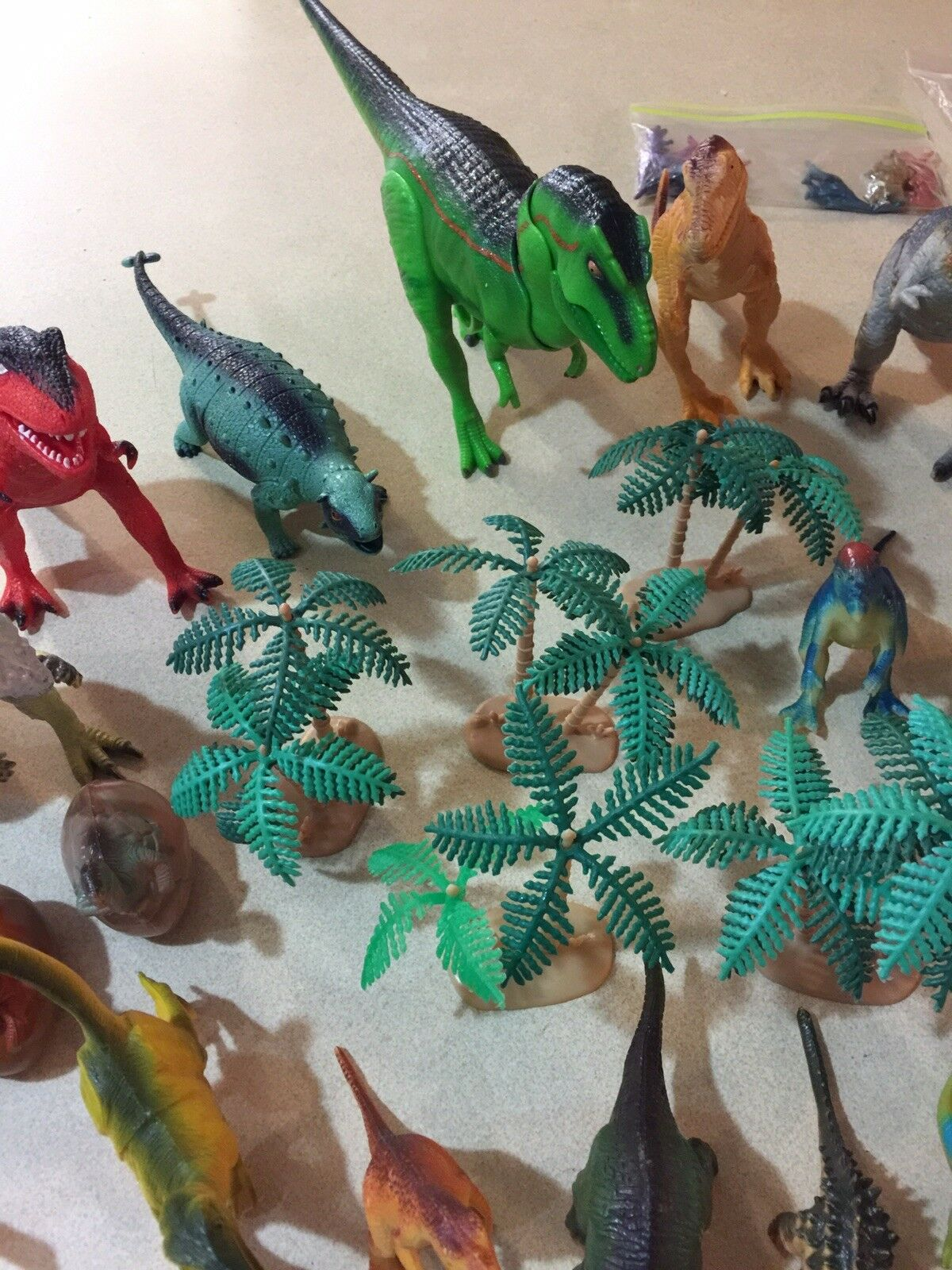 HUGE USED USED USED LOT OF 60+ TOY DINOSAURS ASSORTED SIZES COLORS BREEDS ETC FREE SHIP 9f471e