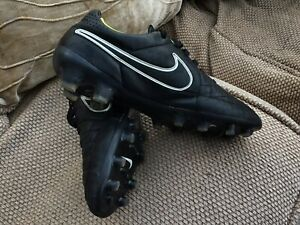 football boots nike size 6
