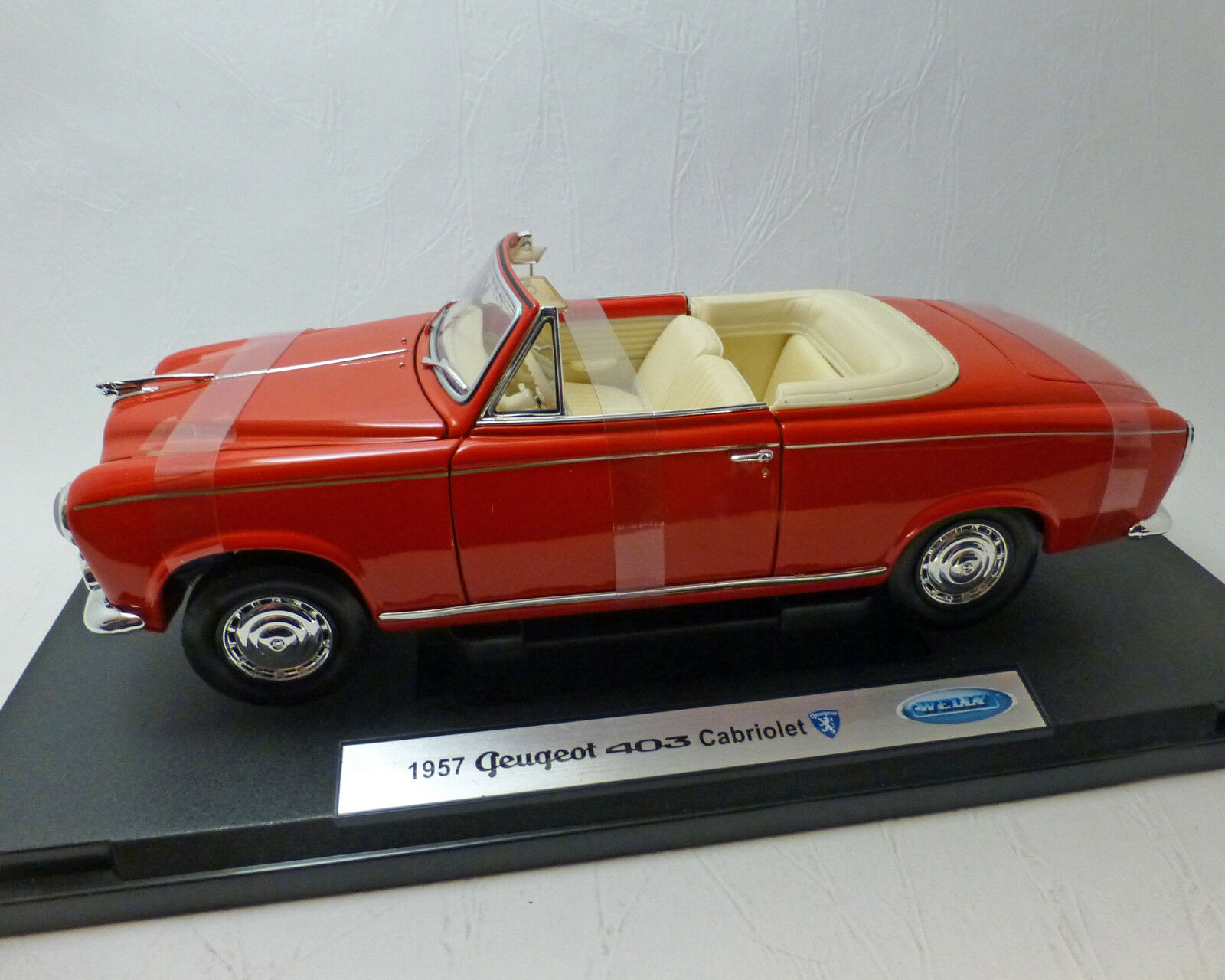 Peugeot 403 cabriolet, rojo, 1 18 - WELLY
