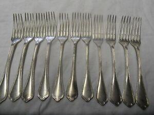 Serie De 11 Fourchettes En Metal Argente Boulenger