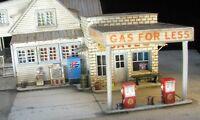 N Scale Gas Pump, Ice Bin, Newspaper Stand, Soda Machines,& Accessories Kit(536)