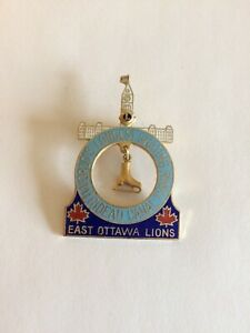 LIONS-CLUB-PIN-EAST-OTTAWA-LIONS-WORLD-LONGEST-SKATING-RINK-RIDEAU-CANADA