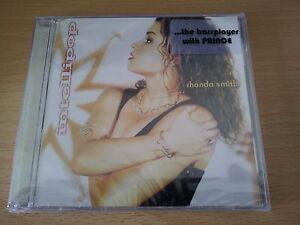 Rhonda-Smith-034-Intellipop-034-CD-former-Prince-NPG-bassplayer
