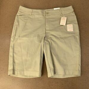 St-Johns-Bay-Womens-Size-16W-Khaki-Bermuda-Shorts-NWT