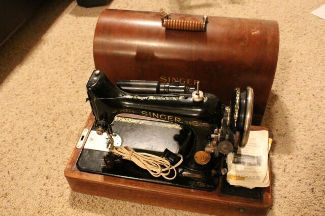 Vintage Singer Portable Electric Sewing Machine 4040 With Knee Interesting Vintage Singer Portable Sewing Machine