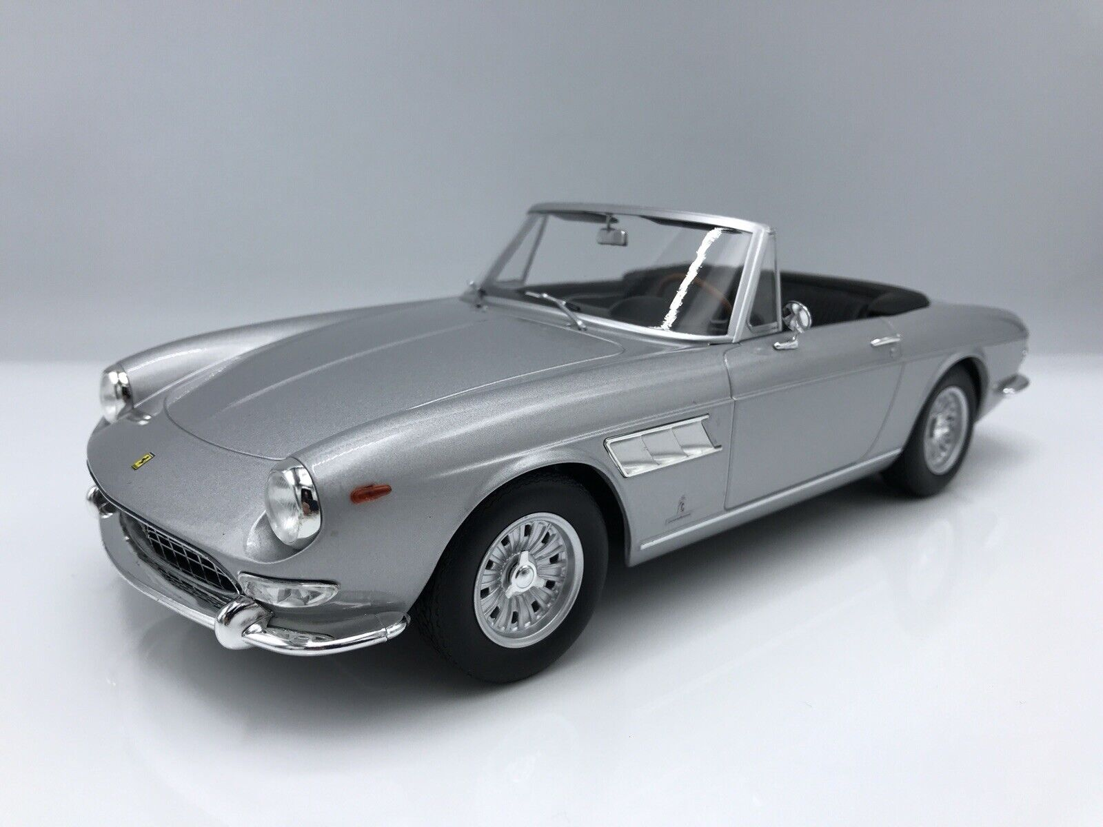 Ferrari 275 GTS Pininfarina Spyder argento (acero llantas) 1964 1 18 KK-scale   New