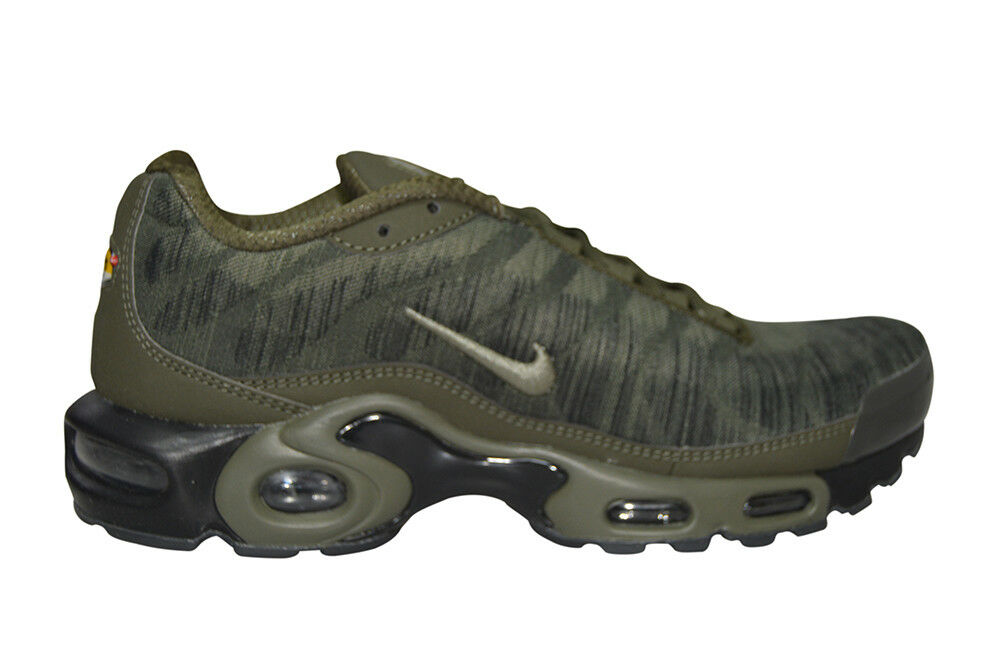 Homme Nike Air Max Plus JCRD - 845006 300-Kaki Noir Baskets-