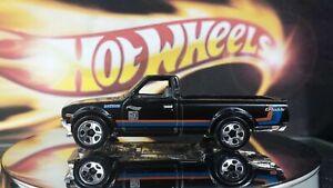 Hot-Wheels-Loose-Datsun-620-Pickup-Truck-Black-2017-1-64