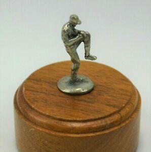 Monopoly-Major-League-Baseball-Pitcher-Figure-REPLACEMENT-TOKEN-Game-Piece-2003