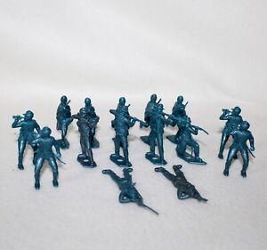 Vintage-MPC-Set-Of-14-MINIATURE-PLASTIC-BLUE-CIVIL-WAR-UNION-SOLDIERS
