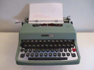 Mid-century Italian Modern Olivetti Underwood Lettera 32 Typewriter Nice Piece!