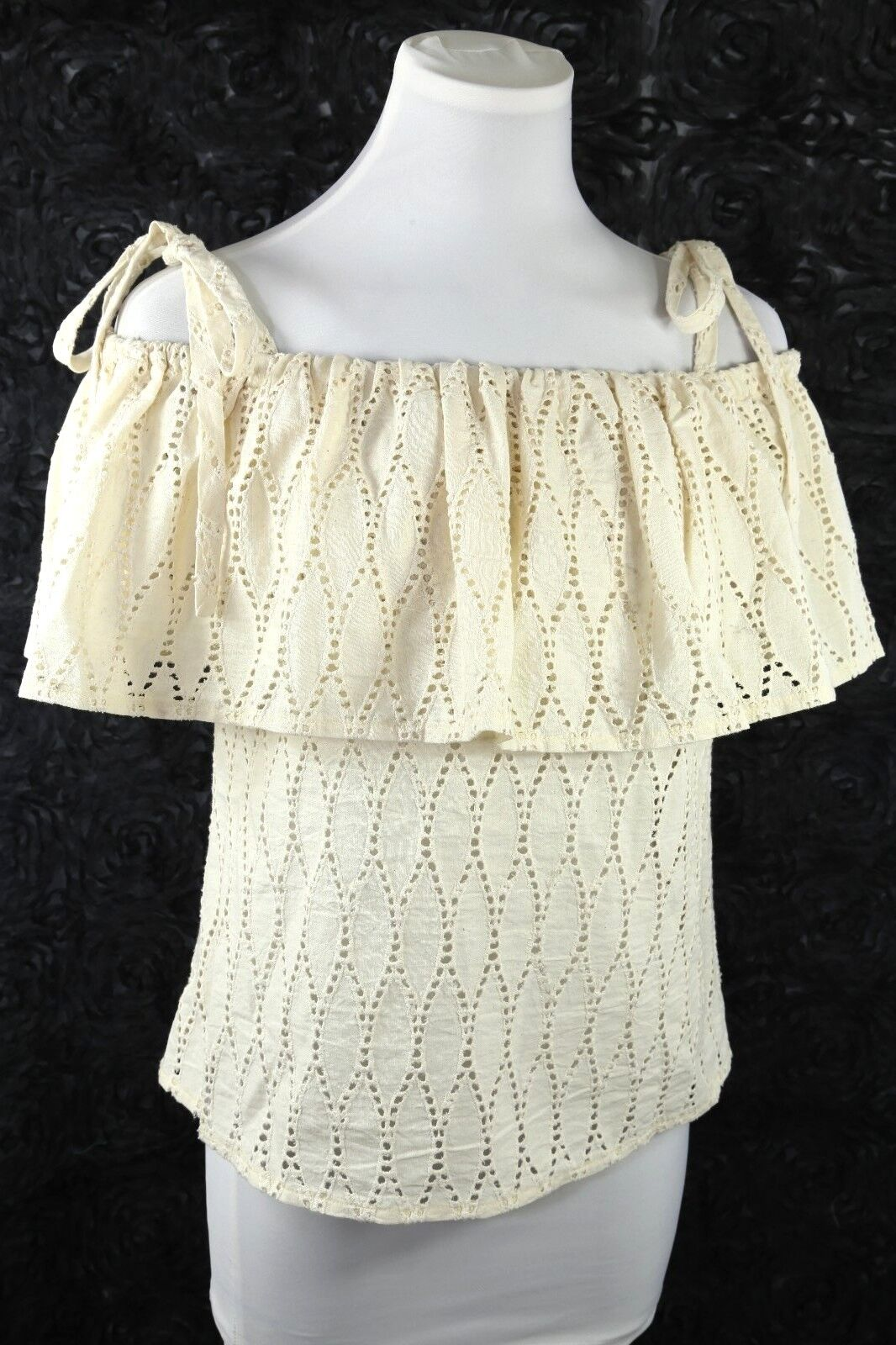 Finley Ivory Eyelet Lace Off Shoulder Tie Blouse Shirt Tank Top XS  D10