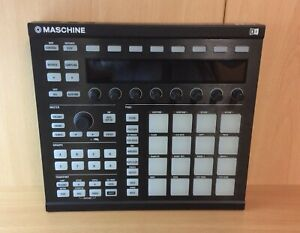 Native-Instruments-Maschine-Mk2-Boxed