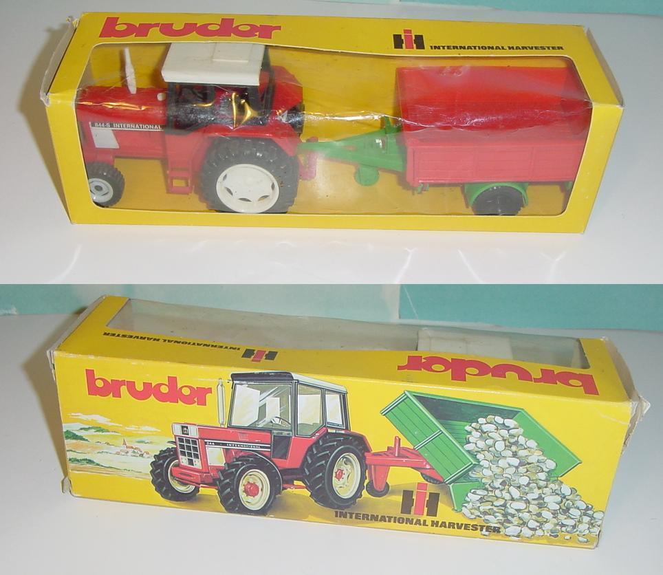 Vintage 1970's International 844-S Traktor & Wagensatz W Box