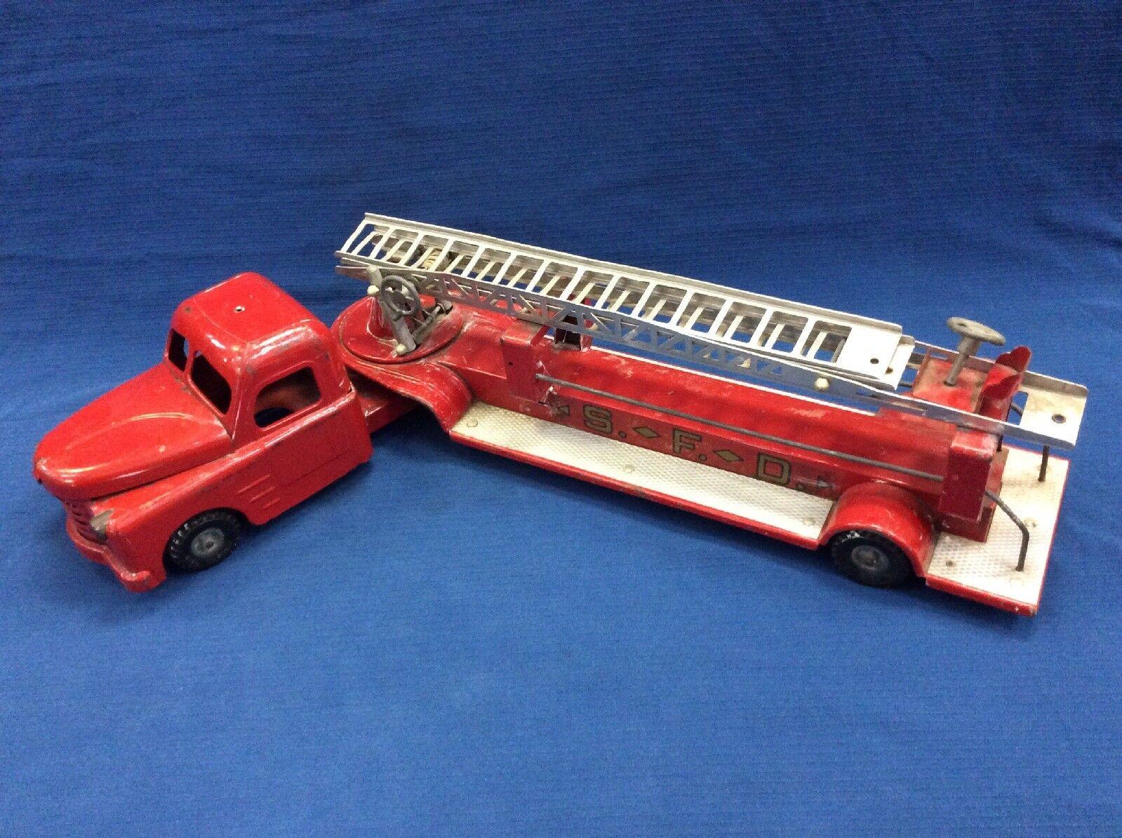 Structo Toys Steel Steel Ladder Fire Truck