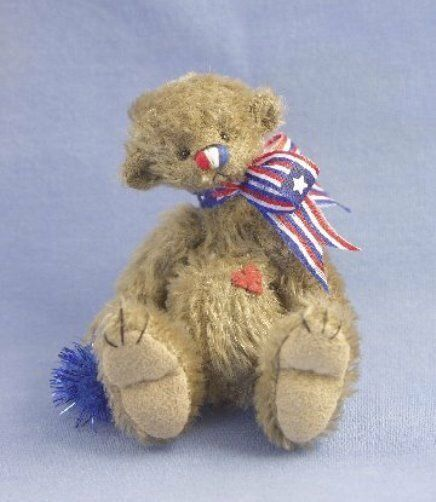 DEB CANHAM    PATTA CAKE  A MINIATURE MOHAIR FULLY JOINTED PATRIOTIC BEAR 3 3 4