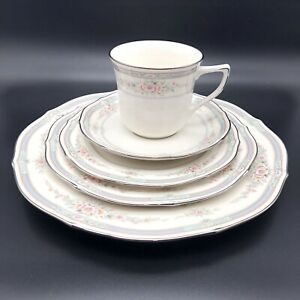 Noritake-Ivory-China-Rothschild-5-Piece-Place-Setting-7293-3-Plates-Saucer-Cup