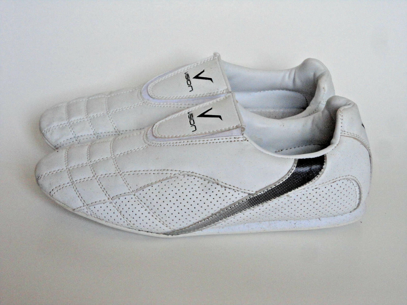 VISION {Size 8.5} Taekwondo White Indoor Martial Arts Karate shoes  EXCELLENT   with 60% off discount