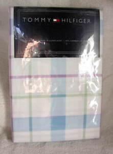 Set-of-Tommy-Hilfiger-Standard-Size-Cotton-Pillowcases-Lavendar-Blue-Plaid-NEW