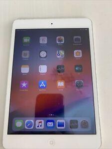 """Apple iPad mini 2ème Génération 7,9"""" 32 Go Wi-Fi Tablette - Argent"""