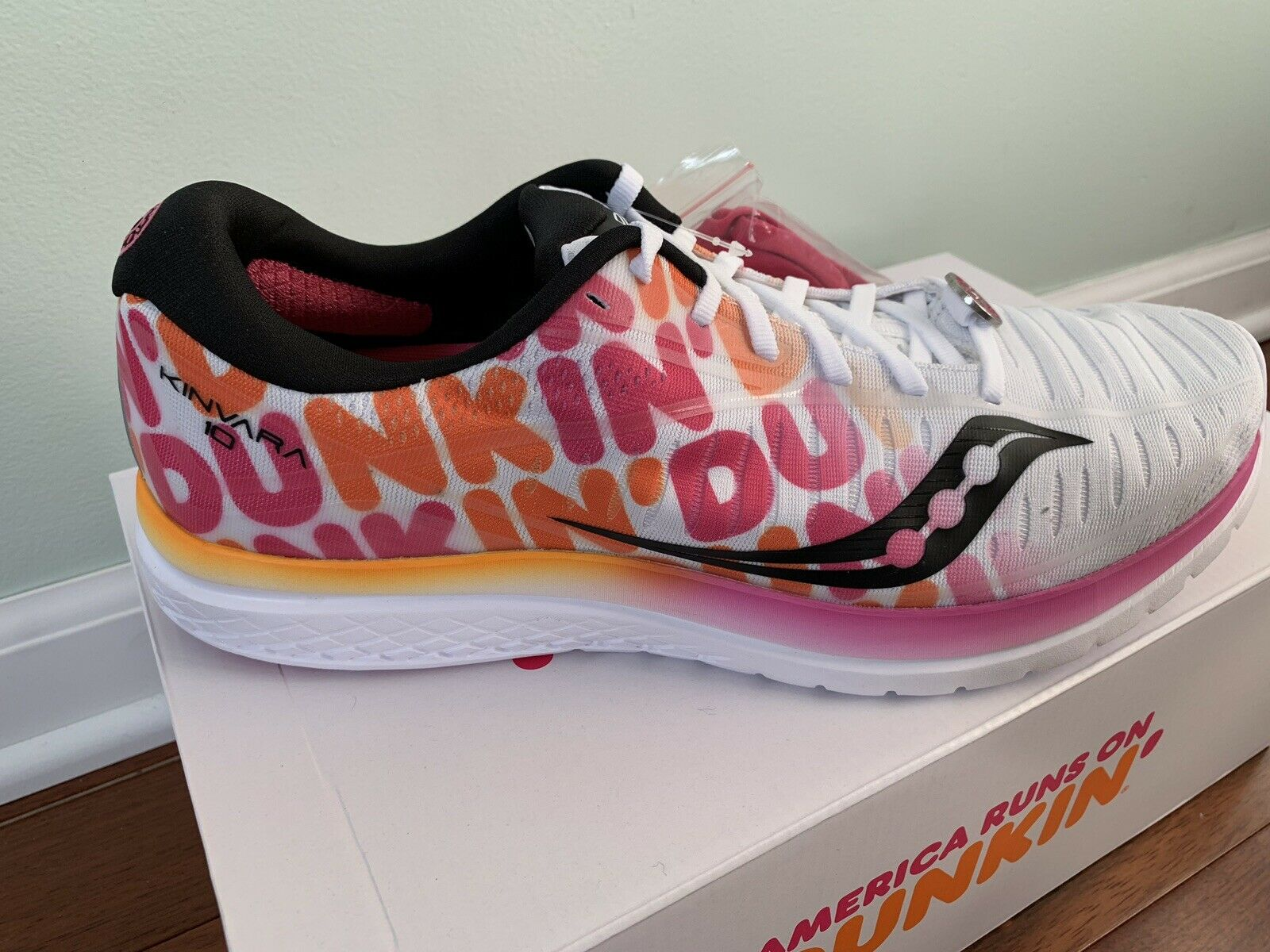 Saucony X Dunkin' Donuts Kinvara 10 MENS SIZE 12 BRAND NEW IN BOX NEVER WORN