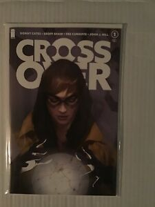 CROSSOVER-1-NICE-CON-VARIANT-BEN-OLIVER-FIRST-PRINT-IMAGE-COMICS