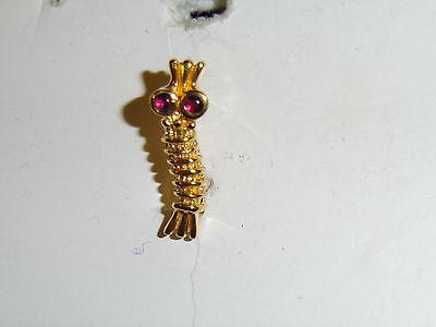 0239 WW2 US Army Air Force Navy Caterpillar Club Pin Sitting Duck Goldfish A2B10