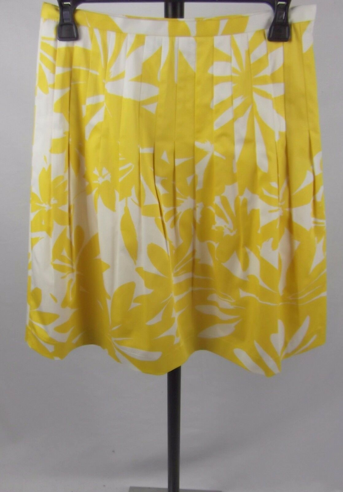 Lafayette 148 Pleat Skirt Size 2 Yellow Floral