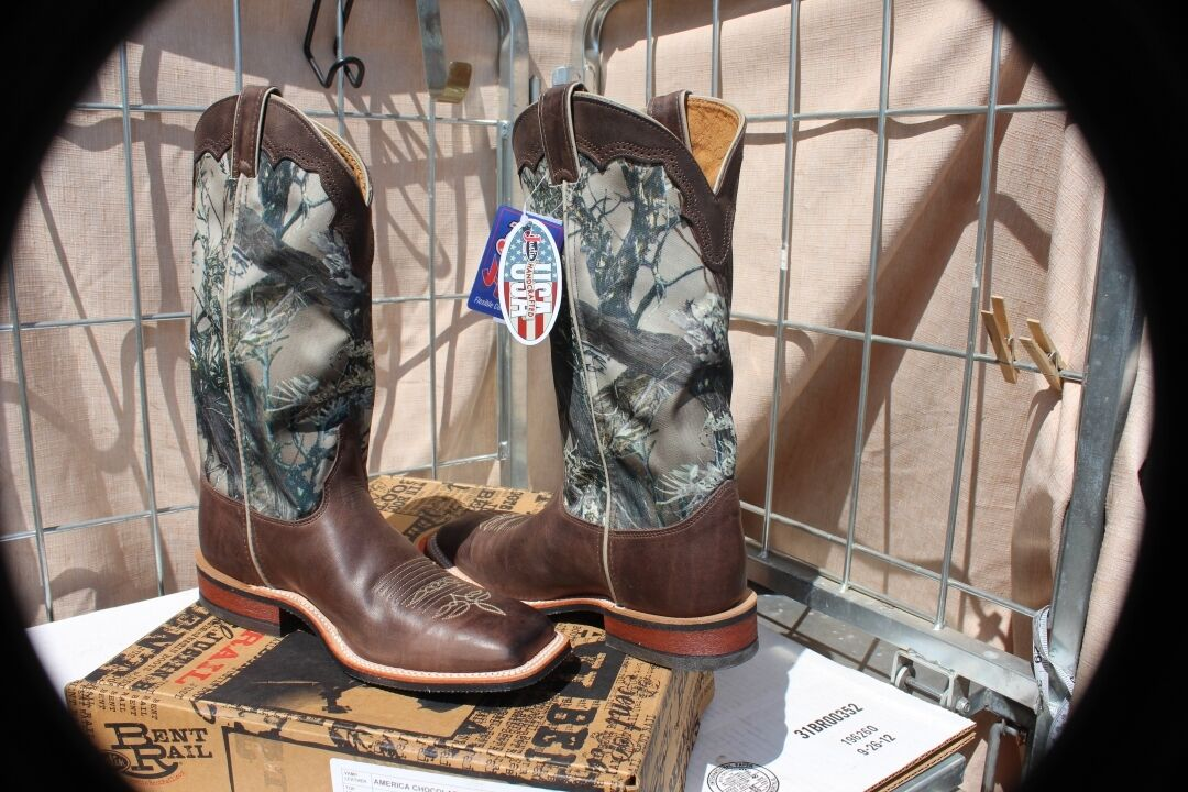 27-36 New Justin 13  camo workboots mens 6 1 2 D heavy duty with box was 164.95