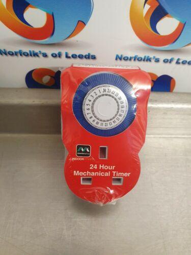 Masterplug Indoor Power TMS24-MP 24-Hour Mechanical Segment Timer