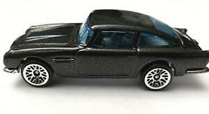 2013-Hot-Wheels-de-Mattel-Aston-Martin-1963-DB5-Usado