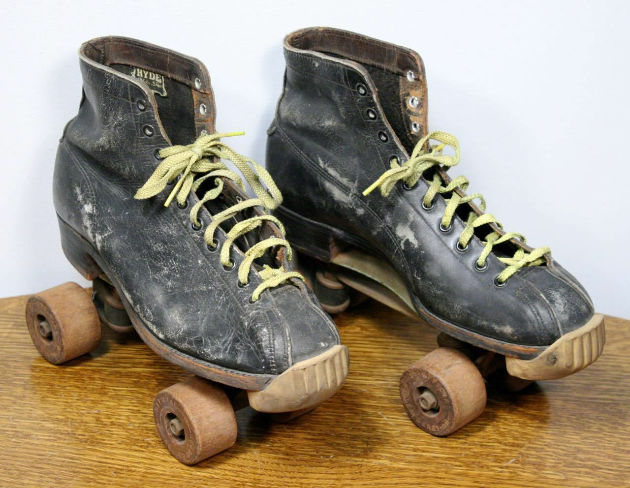 Vintage HYDE Leer Roller rolschaatsen.Officiële Roller Derby mannens Sz.8 Houtwielen