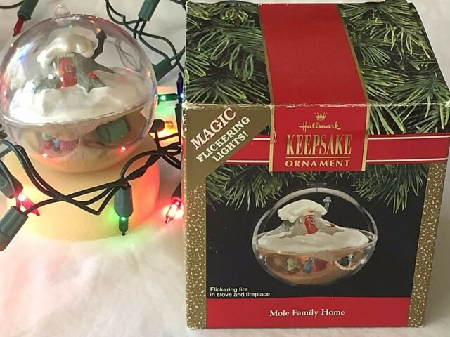 Hallmark Keepsake Ornament Mole Family Home Magic Flickering Lights 91 Christmas