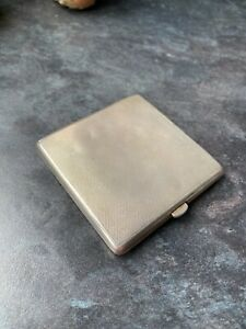 Beauitful-Mappin-amp-Webb-Antique-Silver-Compact-with-mesh-amp-puff-fully-hallmarked